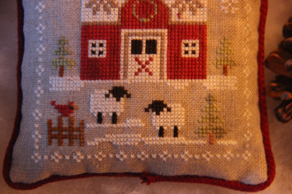 cross stitch Farmhouse Christmas witte schapen