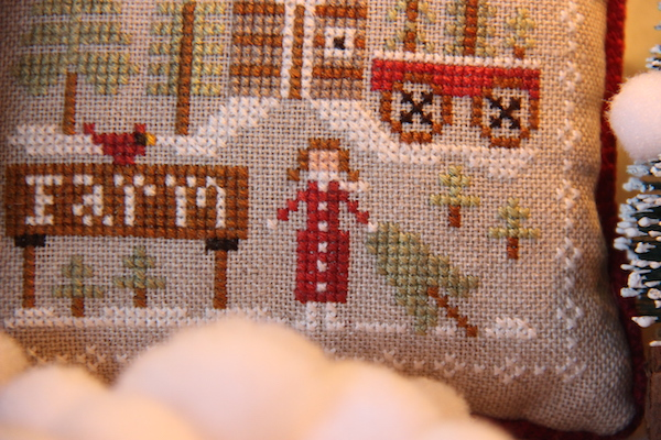Farmhouse Christmas: cross stitch Pinewood Farm