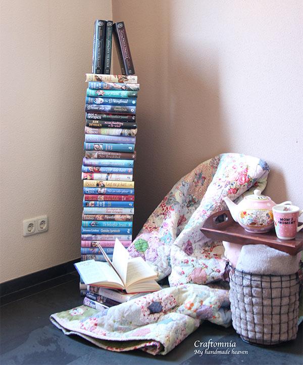 boeken toren met leeshoek