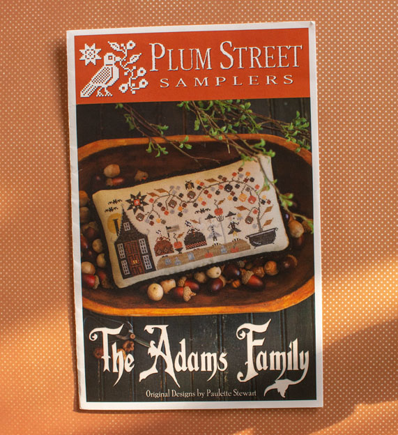 Plum Street Samplers: The Adams Family borduurpatroon